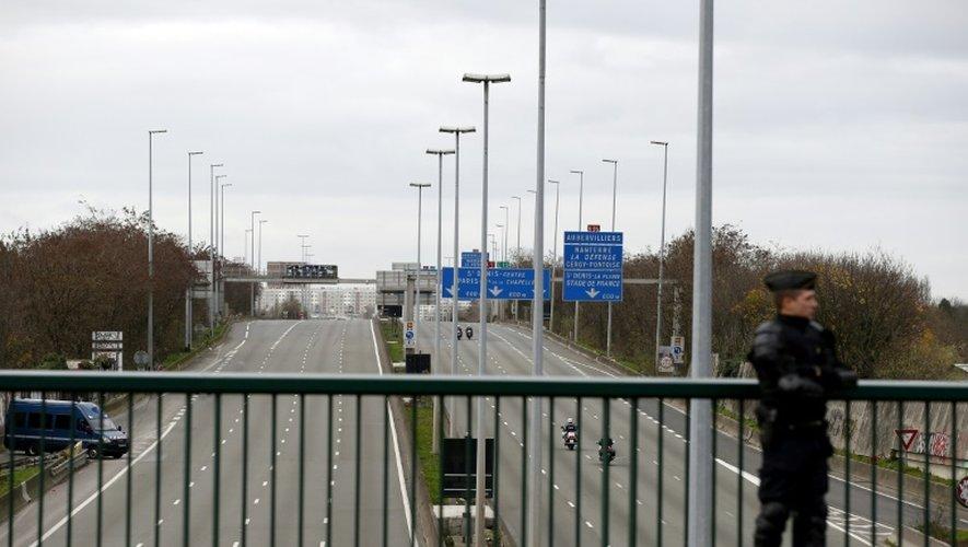 Vue en date du 30 novembre 2015 de l'A1 à hauteur du Blanc-Mesnil au nord de Paris