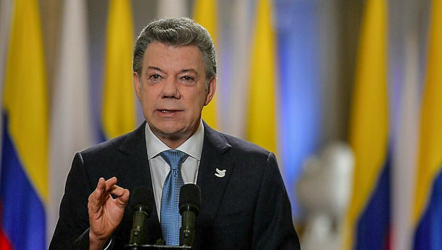 Photo fournie par la présidence colombienne du président Juan Manuel Santos qui s'exprime à Bogota le 12 novembre 2016