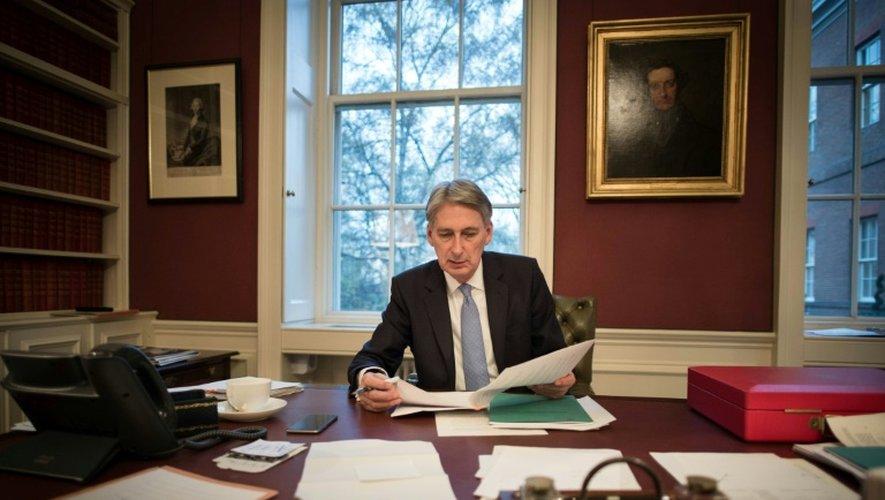 Le ministre britannique des Finances Philip Hammond, dans son bureau à Londres, le 22 novembre 2016