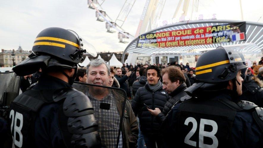 Des forains venus soutenir Marcel Campion le 24 novembre 2016 place de la Concorde à Paris