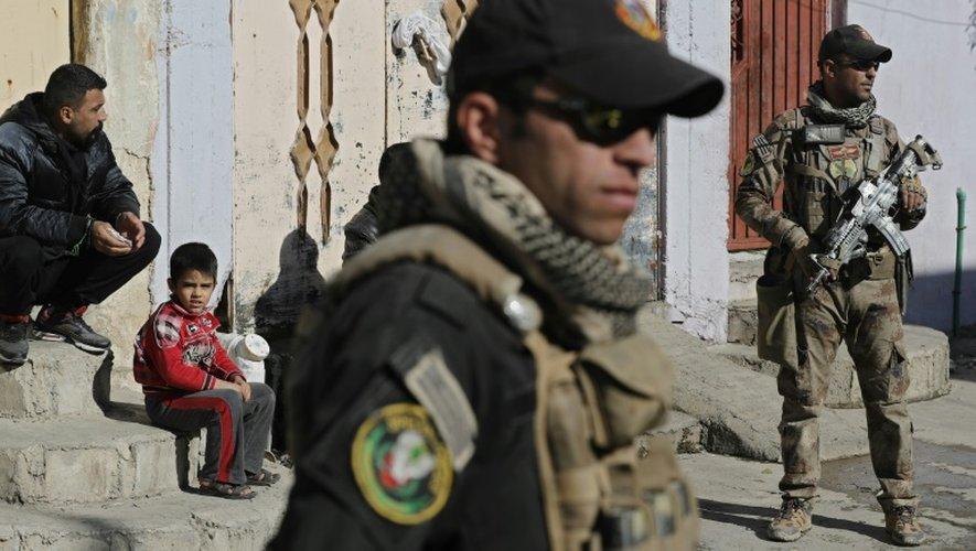 Les forces spéciales irakiennes le 24 novembre 2016 dans un quartier du nord-est de Mossoul