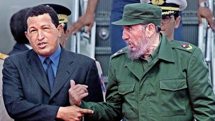 Hugo Chavez et Fidel Castro le 15 novembre 1999 à La Havane