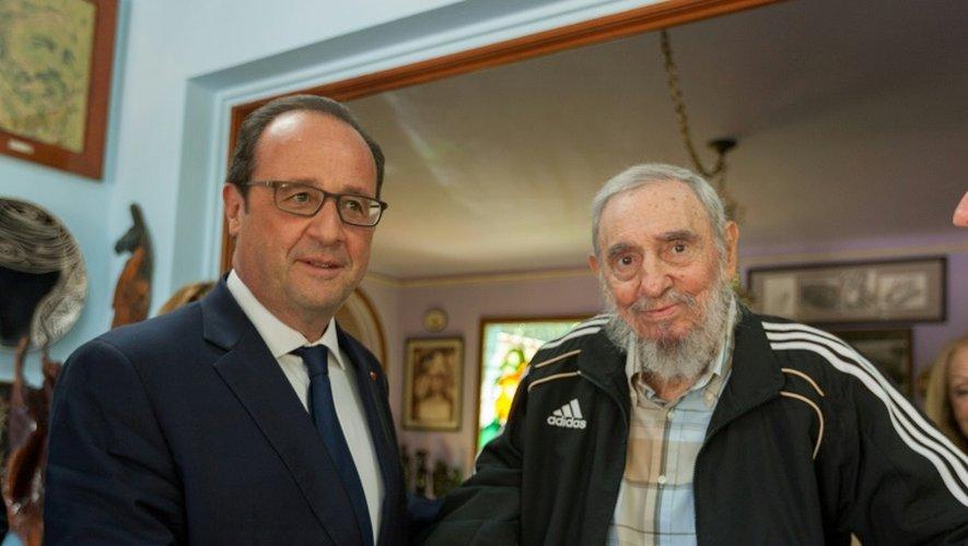 Le président socialiste français François Hollande lors d'une entretien avec Fidel Castro le 11 mai 2015 à La Havane