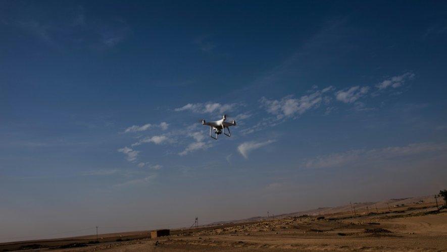 Un drône appartenant à la police fédérale irakienne dans le village d'Arbid, près de Mossoul, le 12 novembre 2016