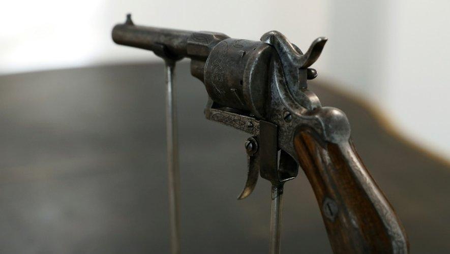Le revolver, un Lefaucheux (célèbre marque de l'époque) à la crosse de bois, un six coups de calibre 7 millimètres, était estimé entre 50.000 et 60.000 euros