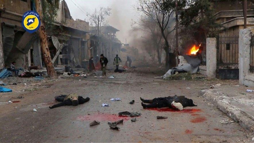 Des cadavres dans les rues d'Alep, en Syrie, capture d'écran d'une vidéo des Casques Blancs diffusée le 30 novembre 2016