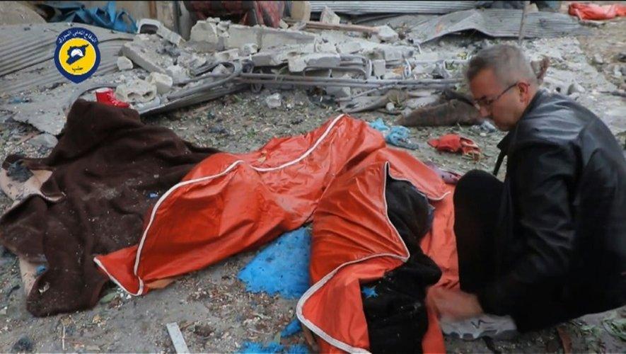 Des cadavres dans les rues d'Alep, capture d'écran d'une vidéo diffusée le 30 novembre 2016 par les secouristes syriens des Casques  Blancs
