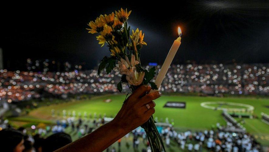 Hommage le 29 novembre 2016 à Medellin aux membres du club brésilien de Chapecoense, victimes du  crash aérien qui a fait 71 morts en Colombie