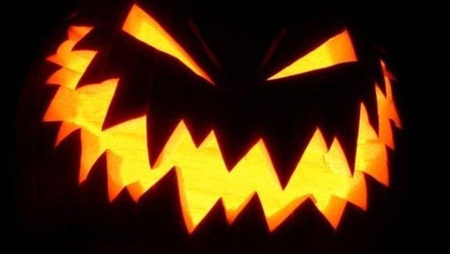 A Cantoin, elle tente d'étrangler sa mère lors de la soirée d'Halloween