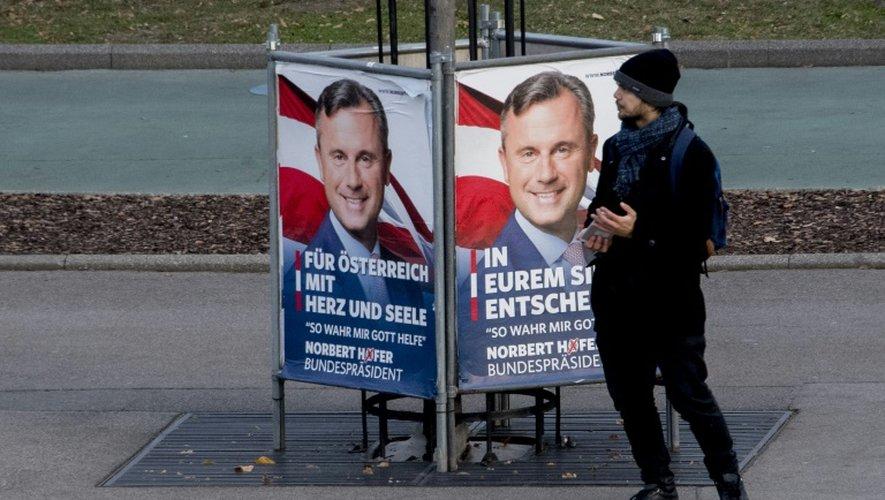 Une affiche électorale de Norbert Hofer, le 30 novembre 2016 à Vienne