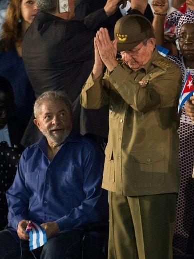 Le président cubain Raul Castro lors d'une cérémonie en hommage à son frère décédé, à Santiago le 3 décembre 2016