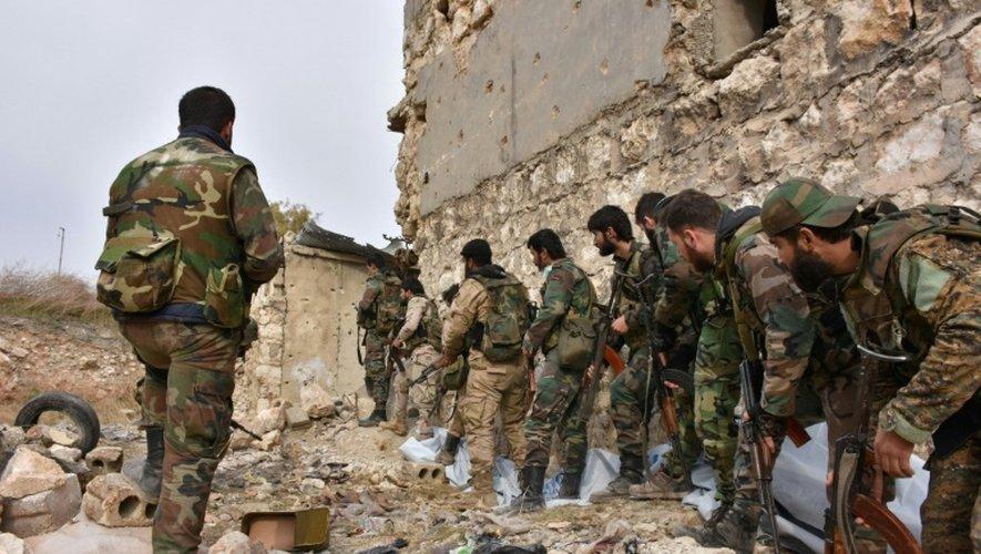 Les troupes syriennes pro-gouvernementales progressent dans Alep est, le 5 décembre 2016