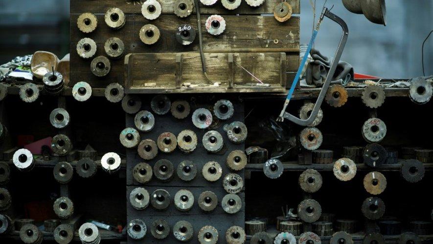 A côté de ses principaux débouchés, la cordonnerie et la tapisserie, l'entreprise produit des clous spéciaux pour de nombreux marchés de niche