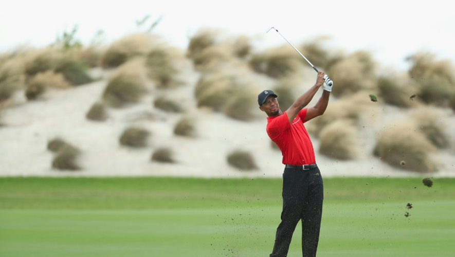 Tiger Woods lâche un coup au trou N.3 du Hero World Challenge, le 4 décembre 2016 à Nassau
