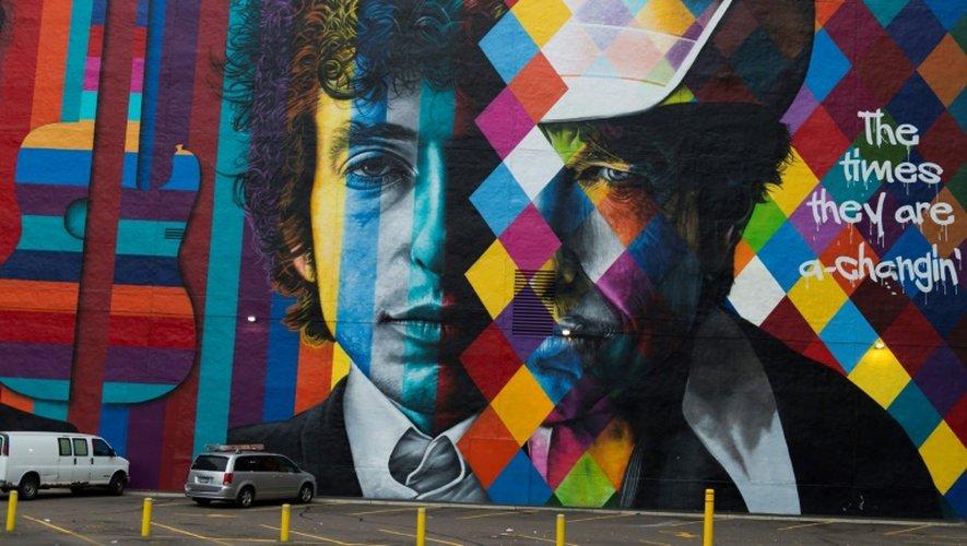 Un portrait de Bob Dylan par le brésilien Eduardo Kobra à Minneapolis, le 15 octobre 2016