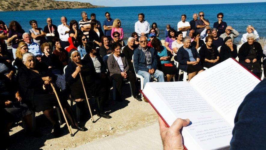 Des maronites participent à une messe dans le village de Kormakitis, dans le nord de Chypre, le 3 novembre 2016