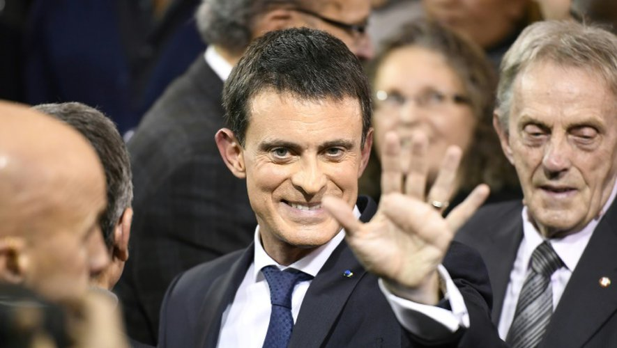 Manuel Valls lors de l'annonce de sa candidature à l'élection présidentielle le 5 décembre 2016 à Evry dans l'Essonne