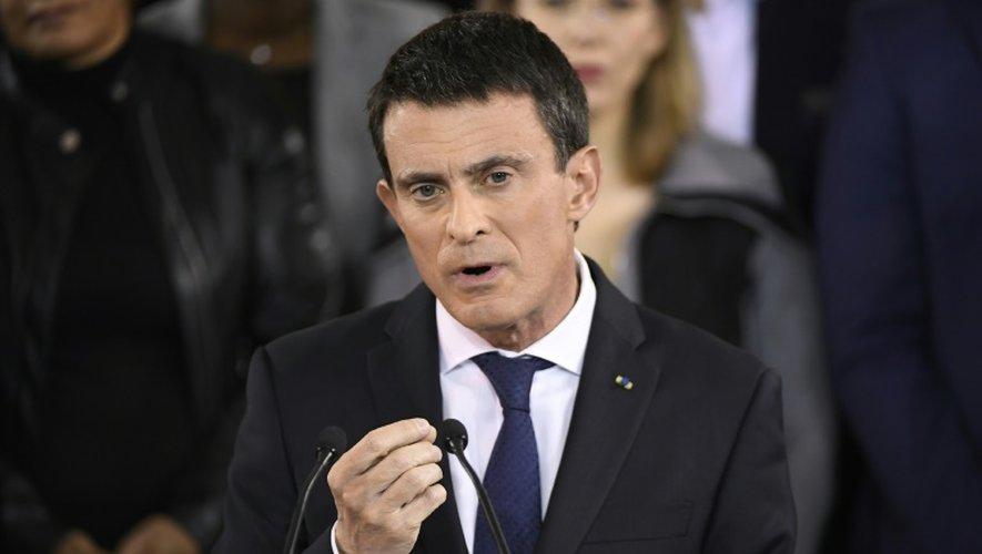 Manuel Valls lors de l'annonce de sa candidature à la présidentielle le 5 décembre 2016 Evry dans l'Essonne
