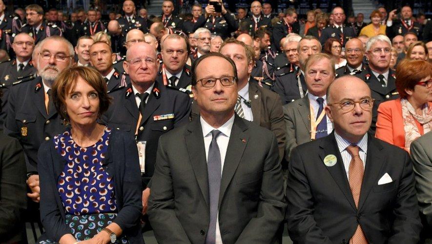 François Hollande entre Marisole Touraine et Bernard Cazeneuve le 24 septembre 2016 à Tours