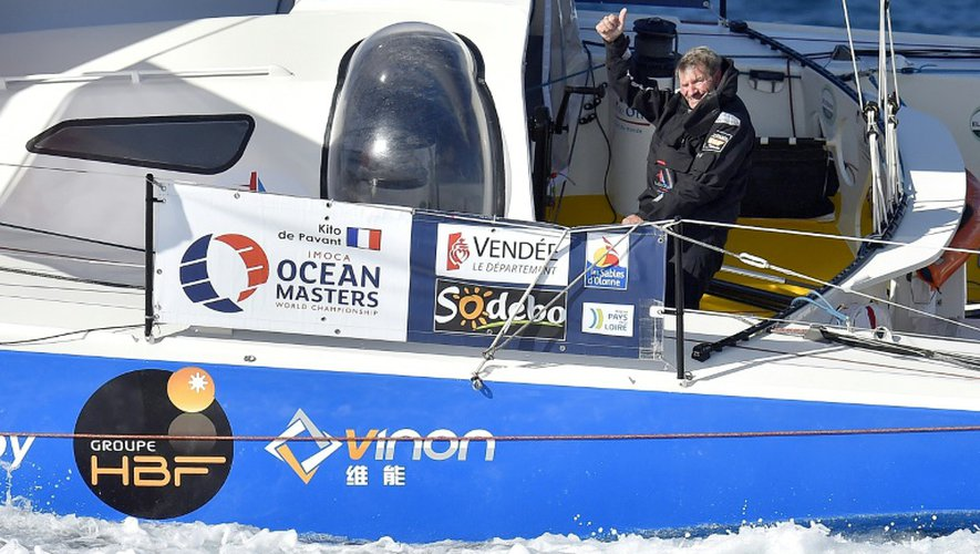 Kito de Pavant aprés le départ du Vendée Globe, le 6 novembre 2016 au large des Sables d'Olonne