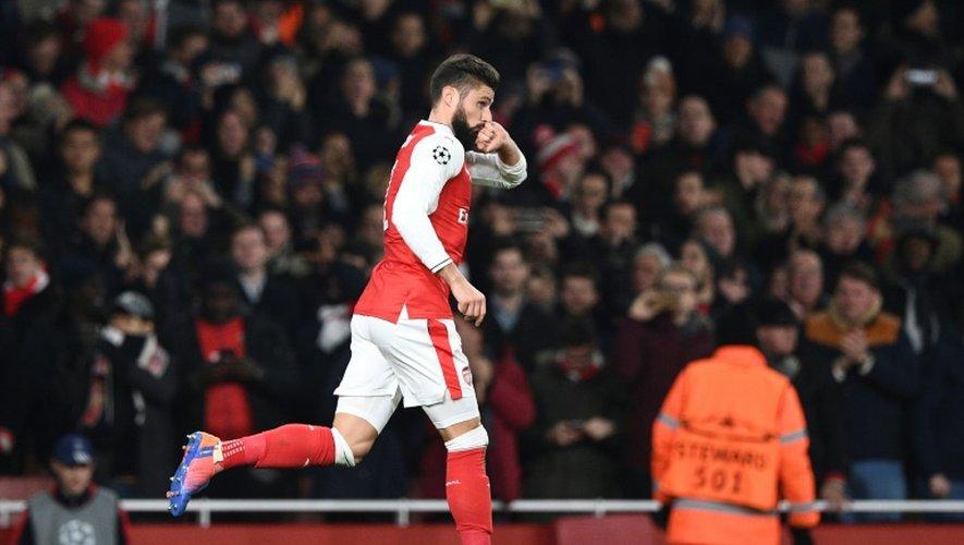 L'attaquant français Olivier Giroud après avoir transformé un penalty pour Arsenal face au PSG à Londres, le 23 novembre 2016