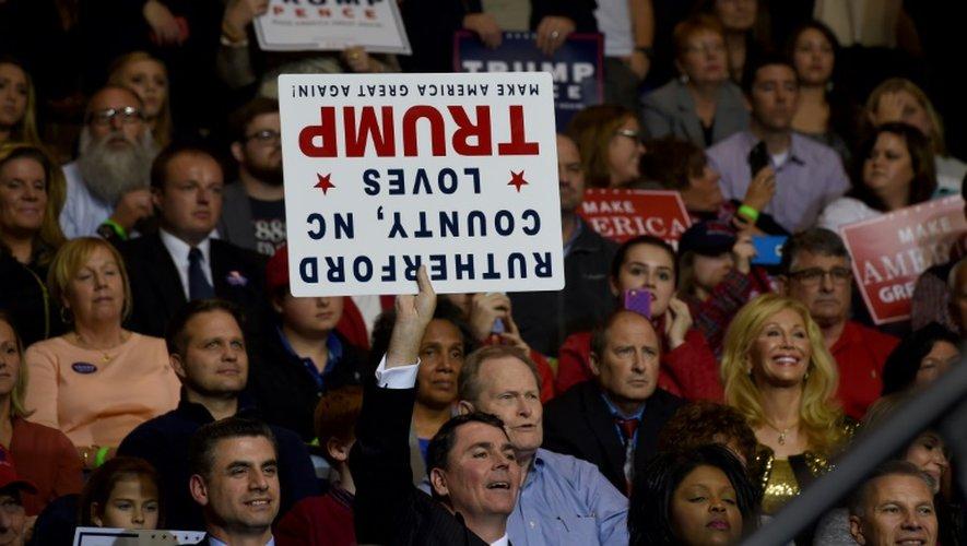 Les supporteurs de  Donald Trump le 6 décembre 2016 à Fayetteville, en Caroline du Nord