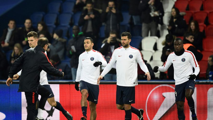 Hatem Ben Arfa participe à l'échauffement parisien avant d'affronter Ludogorets au Parc des princes, le 6 décembre 2016