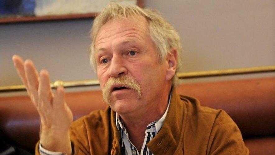 Loup : José Bové écrit au ministère de l'Environnement