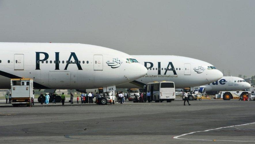 Des avions de la compagnie aérienne Pakistan International Airlines (PIA) sur le tarmac de l'aéroport d'Islamabad, le 10 octobre 2012