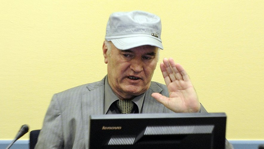 L'ancien chef militaire des Serbes de Bosnie, Ratko Mladic, lors de son procès à La Hague, le 30 juin 2011