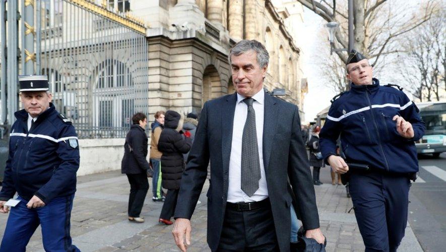 Jérôme Cahuzac à la sortie du palais de justice le 8 décembre 2016 à Paris