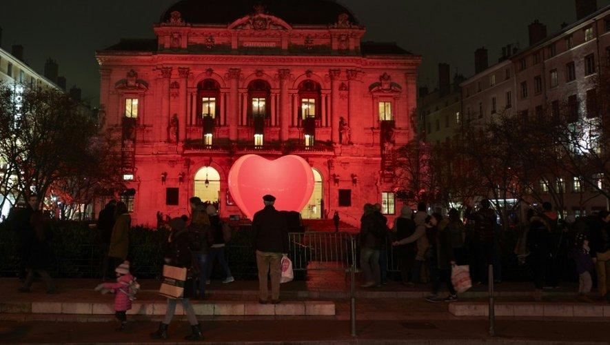 Le théâtre des Célestins est  illuminé à l'occasion de la Fête des Lumières, à Lyon, le 7 décembre 2016