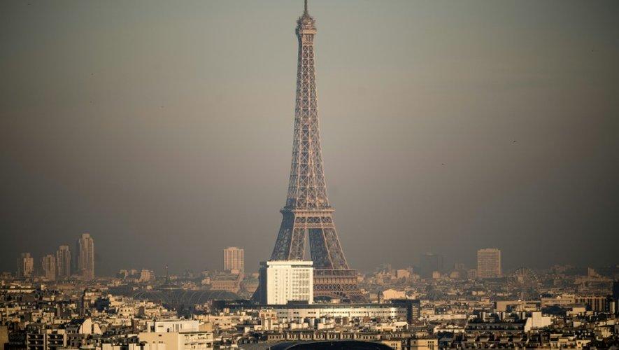 Brouillard de pollution le 8 décembre 2016 à Paris