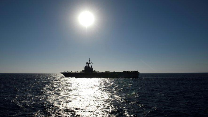 Le porte-avions Charles-de-Gaulle en Méditerranée le 29 septembre 2016