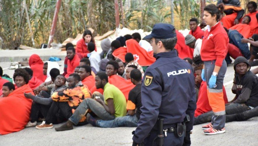 Des migrants à El Tarajal le 9 décembre 2016 à Ceuta