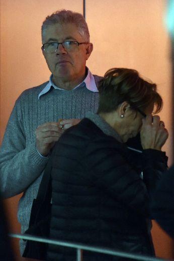 Le buraliste du Tarn Luc Fournie (G) et sa femme à l'énoncé du verdict à Toulouse le 9 décembre 2016