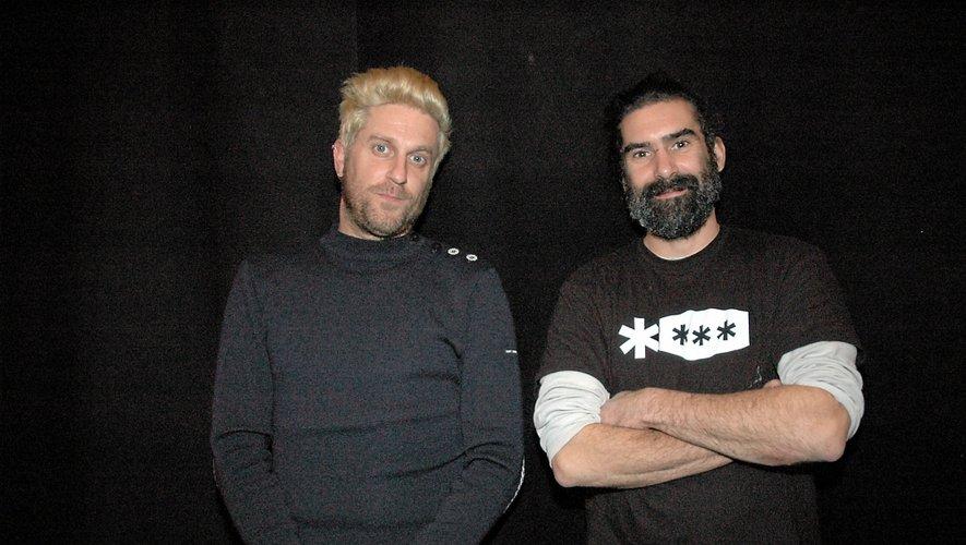 Laurent des Hurlements d'Léo et Fred des Ogres de Barback sur la scène ruthénoise du Club.