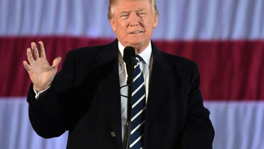 Le président élu Donald Trump le 9 décembre 2016 à Baton Rouge en Louisiane