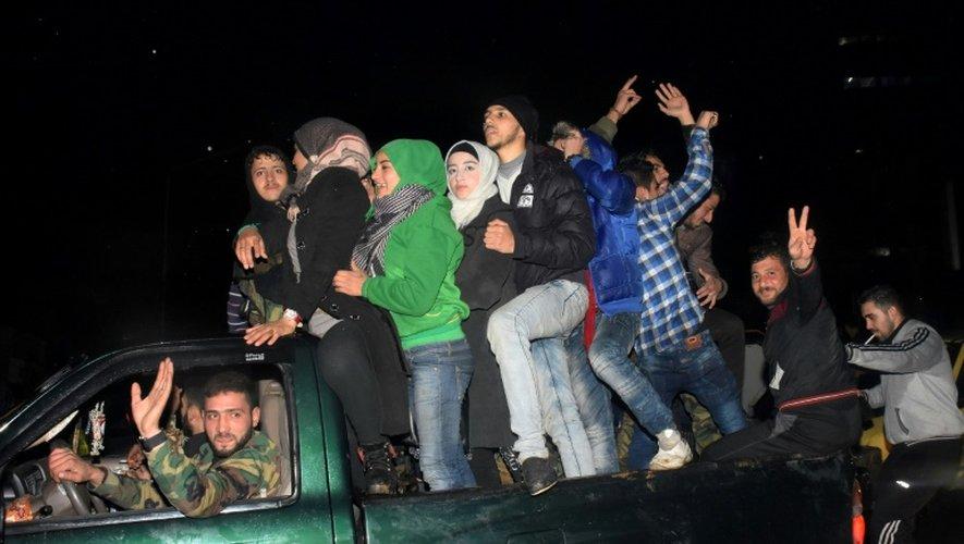 Scène de liesse le 12 décembre 2016 le quartier de Mogambo à Alep