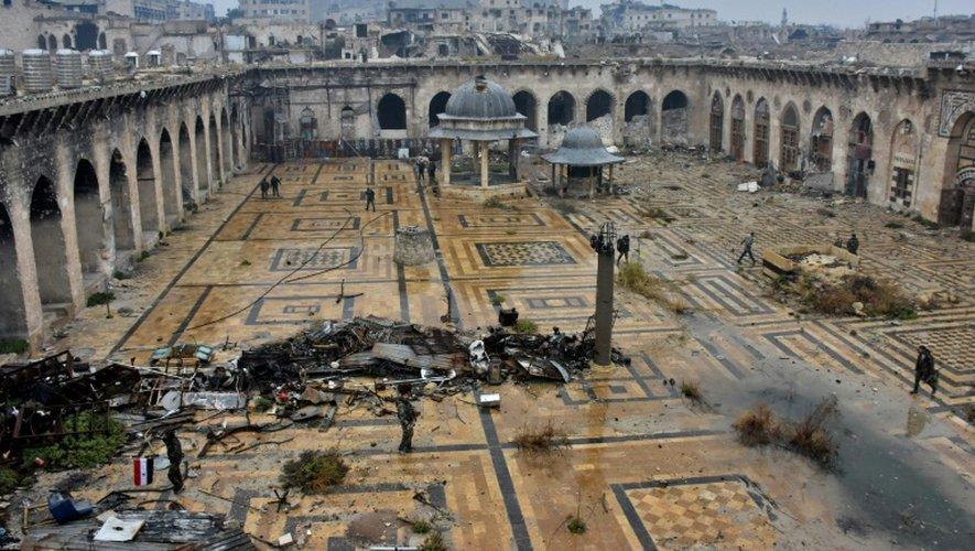 Vue sur la Mosquée des Omeyyades d'Alep, en Syrie, le 13 décembre 2016