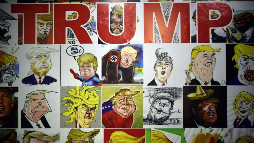 Le 17 octobre 2016, des dessins de Donald Trump sont exposés sur le mur des caricatures du musée des caricatures de Mexico