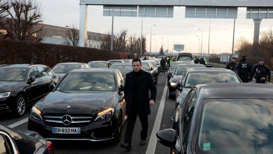 L'accès autoroutier à l'aéroport Charles de Gaulle bloqué le 16 décembre 2016 à Roissy par des chauffeurs VTC