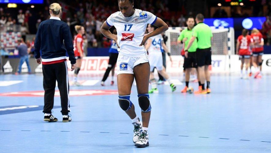 La capitaine Siraba Dembélé et les Bleues éliminées en demi-finales de l'Euro par la Norvège, le 16 décembre 2016 à Göteborg