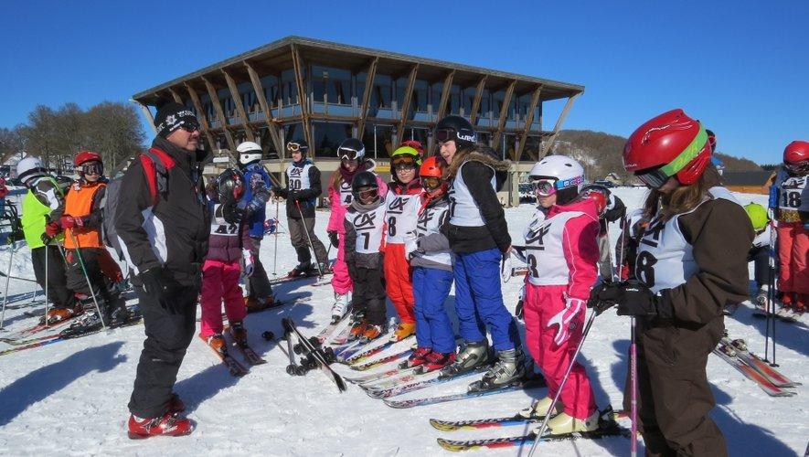 Président du comité départemental depuis 2 ans, Thierry Le Gras (55 ans) occupe également la même fonction au sein du ski club barrezien. Sur la photo, lors d'une sortie avec les jeunes du club à Laguiole.