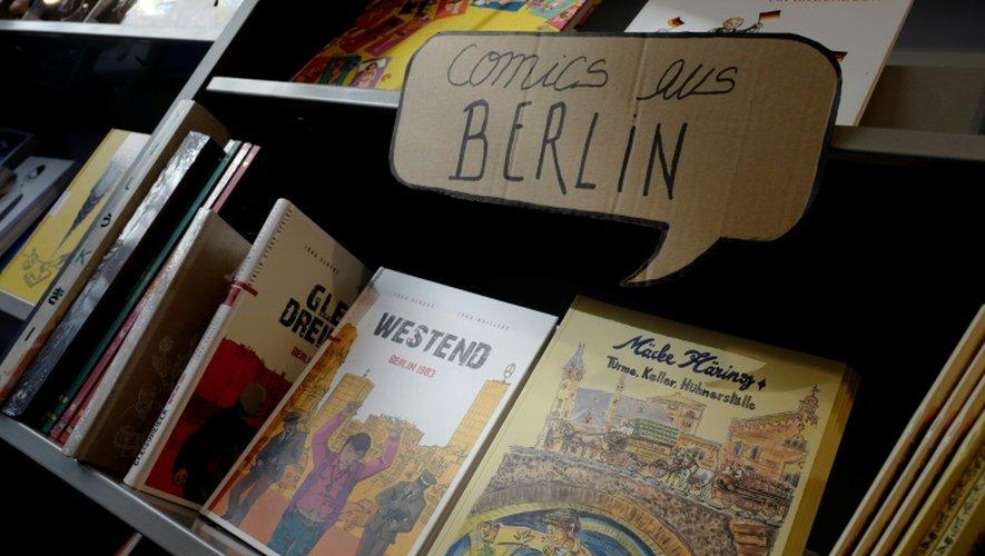 """Le rayon """"BD berlinoises"""" de la librairie Modern Graphics à Berlin, le 23 novembre 2016"""