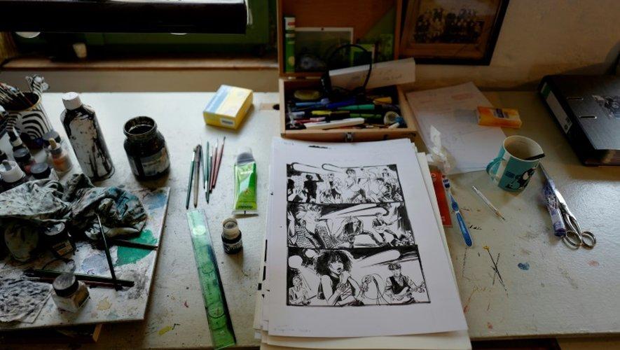 Le bureau du dessinateur Reinhard Kleist dans son studio à Berlin, le 23 novembre 2016