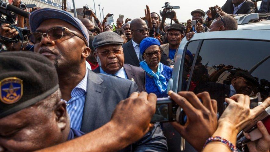 Etienne Tshisekedi (C), l'opposant congolais historique arrive à  Kinshasa, le 27 juillet 2016