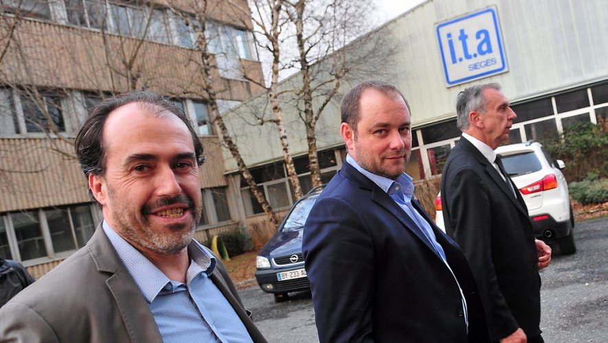 Vincent Nassiet (premier plan) accompagné de Freddy Vandenbossche et Jean-Claude Luche.