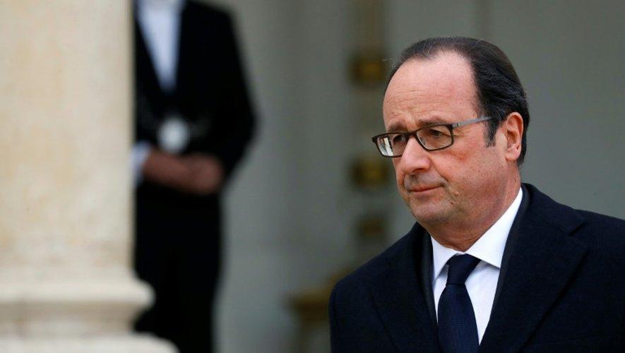 Attentat de Berlin: Hollande a signé le registre de condoléances