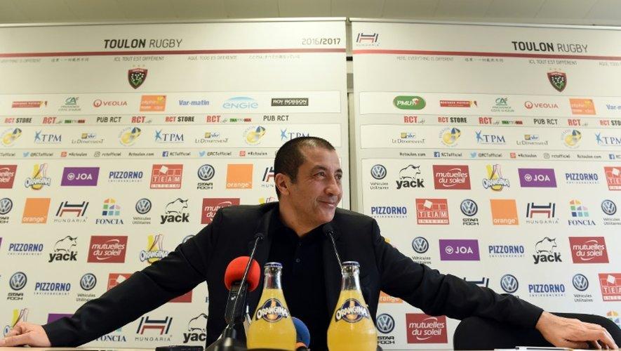 Le président du RC Toulon Mourad Boudjellal en conférence de presse, le 21 décembre 2016 à Toulon